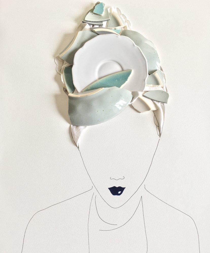 ilustración rostro mujer con trozos de cerámica