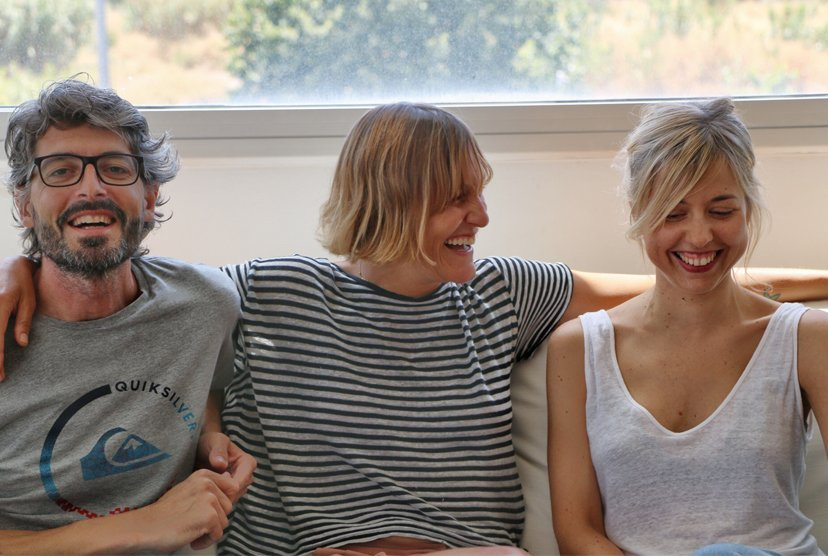 grupo de tres personas